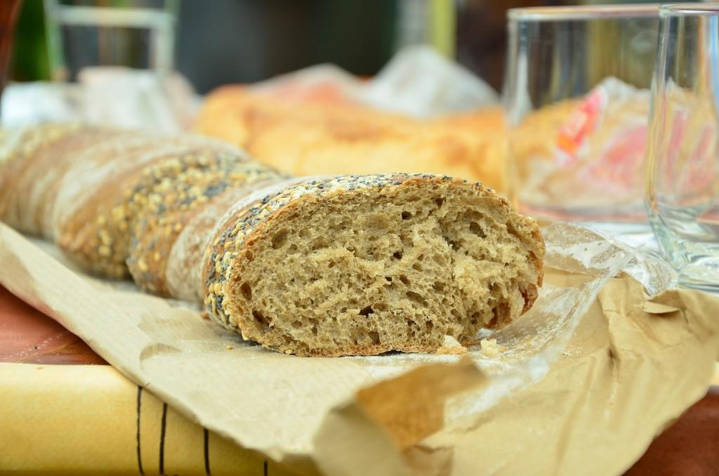 bread-748715_1280