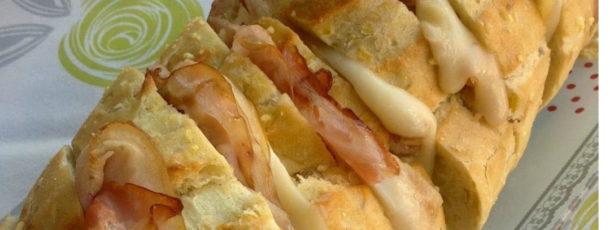 Receta de pan relleno de queso y bacon al horno